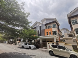 3 Storey Semi D Avenue 4 Lake Valley Bandar Tun Hussein Onn Selangor